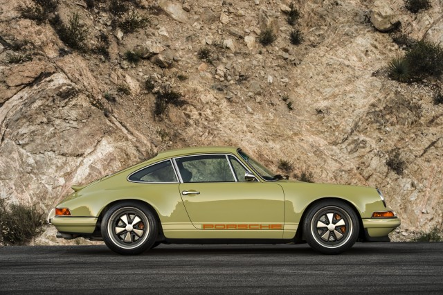 Porsche 911 modified by Singer