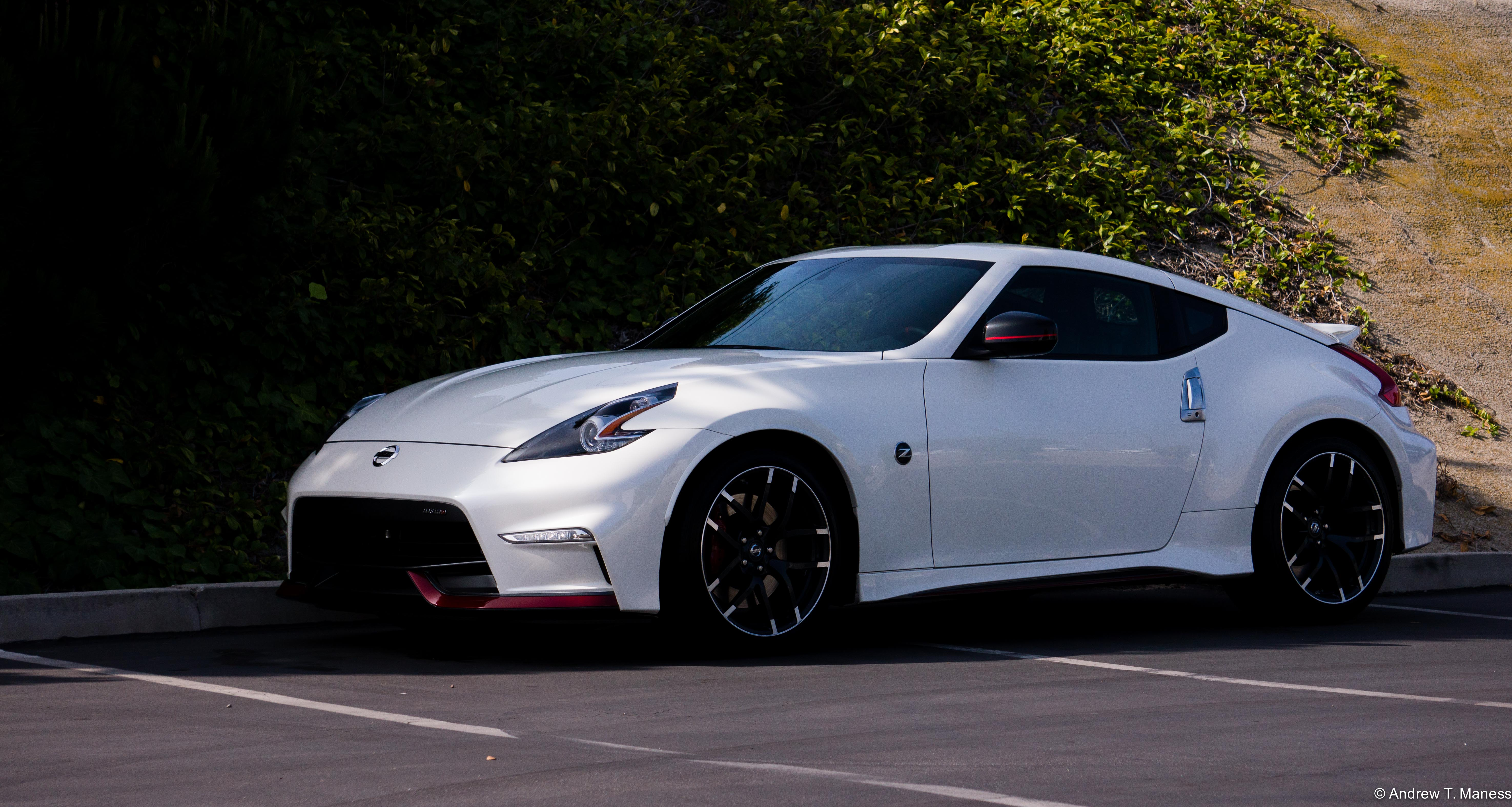 future used car review 2016 nissan 370 z nismo the autotempest blog. Black Bedroom Furniture Sets. Home Design Ideas