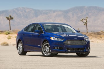 2017-Ford-Fusion-Hybrid-Release-Date