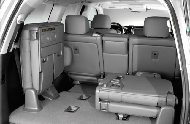 2007 Toyota Land Cruiser Interior Rear