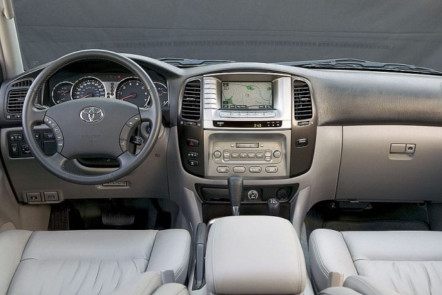 2007 Toyota Land Cruiser Interior